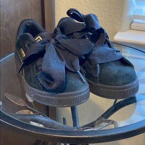 🧸Girls Puma sneakers